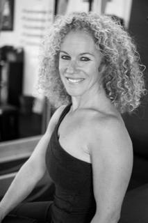 headshot of Debi Quinn Vincent